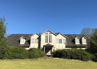 Pre Foreclosure in Fayetteville 30215 PEBBLE BEACH DR - Property ID: 1414665367