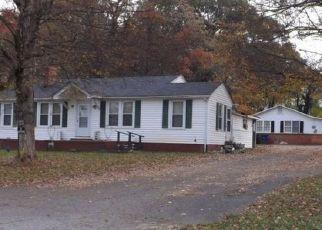 Pre Foreclosure in Winston Salem 27105 OGBURN AVE - Property ID: 1414687261