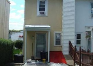 Pre Foreclosure in Pennsburg 18073 DOTTS ST - Property ID: 1414915449