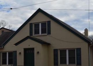 Pre Foreclosure in Pottstown 19464 WALNUT ST - Property ID: 1414919843