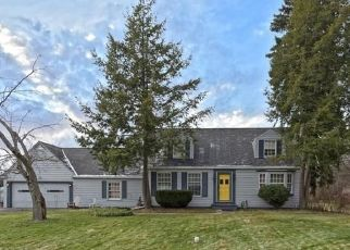 Pre Foreclosure in Chagrin Falls 44022 LANDER RD - Property ID: 1415053412