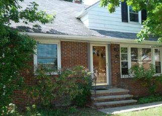 Pre Foreclosure in Euclid 44132 E 255TH ST - Property ID: 1415079249