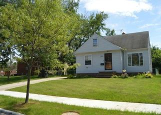 Pre Foreclosure in Cleveland 44119 E PARK DR - Property ID: 1415080570