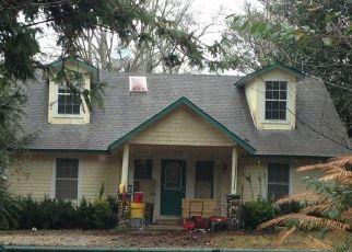 Pre Foreclosure in Cantonment 32533 CEDAR TREE LN - Property ID: 1415249180
