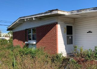 Pre Foreclosure in Panama City 32405 LINDENWOOD DR - Property ID: 1415620141