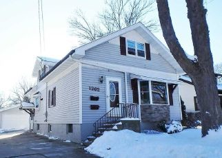 Pre Foreclosure in Green Bay 54301 ELIZA ST - Property ID: 1415975346
