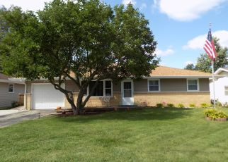 Pre Foreclosure in Machesney Park 61115 MILDRED RD - Property ID: 1416079591
