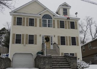 Pre Foreclosure in Billerica 01821 EXETER PL - Property ID: 1416578887