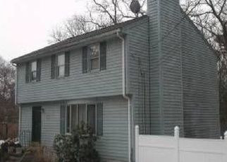 Pre Foreclosure in Wilmington 01887 BATES AVE - Property ID: 1416589388