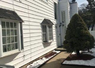 Pre Foreclosure in Staten Island 10312 HAMPTON GRN - Property ID: 1417785492
