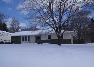 Pre Foreclosure in Macedon 14502 DRUMLIN DR - Property ID: 1419019711