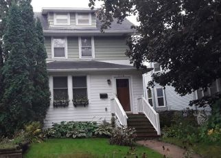 Pre Foreclosure in Saint Paul 55104 HAGUE AVE - Property ID: 1419577693