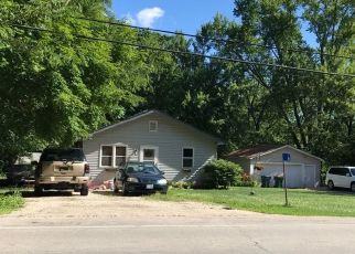 Pre Foreclosure in Yorkville 60560 VAN EMMON RD - Property ID: 1420380492