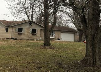 Pre Foreclosure in Fairland 46126 W SYCAMORE RD - Property ID: 1420628835