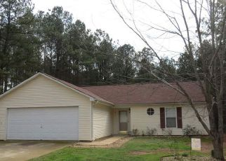 Pre Foreclosure in Senoia 30276 LEXINGTON PL - Property ID: 1420997598