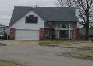 Pre Foreclosure in Owasso 74055 E 96TH PL N - Property ID: 1422948330