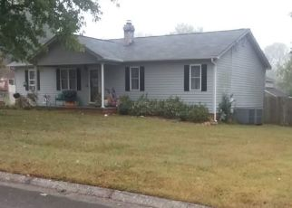 Pre Foreclosure in Maryville 37803 EAU CLAIR DR - Property ID: 1423046887