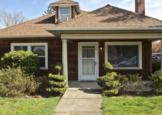 Pre Foreclosure in Portland 97220 NE 102ND AVE - Property ID: 1423783102