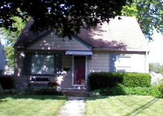 Pre Foreclosure in Milwaukee 53222 N 86TH ST - Property ID: 1426299718