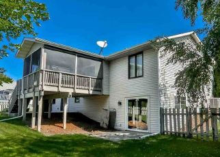 Pre Foreclosure in Machesney Park 61115 COOPERS HAWK TRL - Property ID: 1426342187