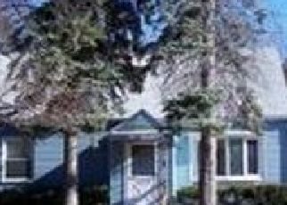 Pre Foreclosure in West Springfield 01089 REDDEN RD - Property ID: 1428030588