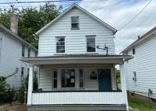 Pre Foreclosure in Wilkes Barre 18702 BROWN ST - Property ID: 1428070883