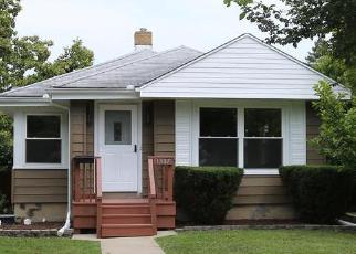 Pre Foreclosure in Joliet 60435 CLARA AVE - Property ID: 1428517160