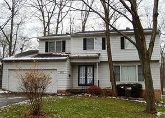Pre Foreclosure in Twinsburg 44087 GREENWAY DR - Property ID: 1429892858