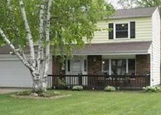 Pre Foreclosure in Olmsted Falls 44138 REDWOOD DR - Property ID: 1430965443