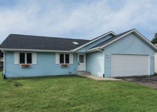 Pre Foreclosure in South Beloit 61080 JENKINS DR - Property ID: 1435305782