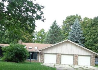 Pre Foreclosure in Rockford 61108 HILLCREST RD - Property ID: 1435386802