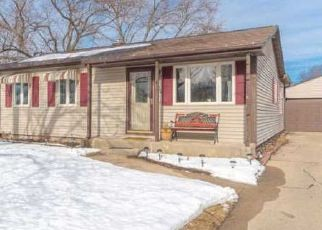 Pre Foreclosure in Loves Park 61111 CORONET RD - Property ID: 1435389418