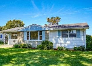 Pre Foreclosure in Machesney Park 61115 ANNA AVE - Property ID: 1435427979