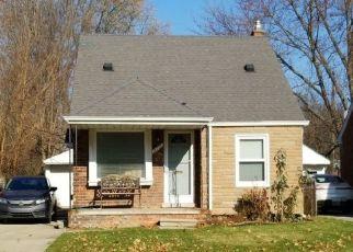 Pre Foreclosure in Harper Woods 48225 DAMMAN ST - Property ID: 1435515560