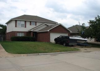 Pre Foreclosure in Fort Worth 76108 PARKMERE DR - Property ID: 1436375745