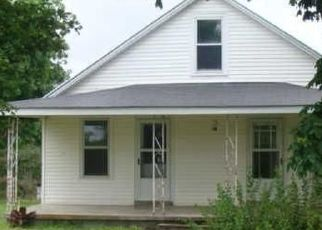 Pre Foreclosure in Lawrenceburg 38464 CLIFTON RD - Property ID: 1436678822
