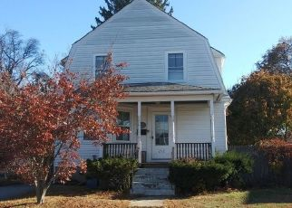 Pre Foreclosure in Cranston 02910 WOODBINE ST - Property ID: 1437439581