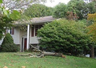 Pre Foreclosure in Pottstown 19464 OAKDALE DR - Property ID: 1438132453