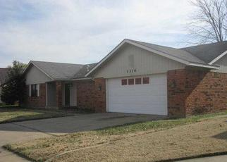 Pre Foreclosure in Pryor 74361 SE 17TH ST - Property ID: 1438375978