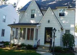 Pre Foreclosure in Toledo 43613 MAXWELL RD - Property ID: 1438474963