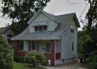 Pre Foreclosure in Cincinnati 45205 MIDLAND AVE - Property ID: 1438485458
