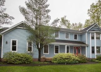 Pre Foreclosure in Chagrin Falls 44022 WHITETAIL DR - Property ID: 1438661975