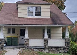 Pre Foreclosure in Waterbury 06706 HAMILTON AVE - Property ID: 1439329885