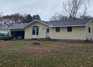 Pre Foreclosure in Minneapolis 55434 MADISON ST NE - Property ID: 1439987715