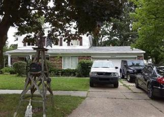 Pre Foreclosure in Clinton Township 48035 KIM DR - Property ID: 1440098519