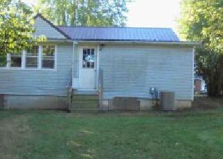 Pre Foreclosure in Jamestown 42629 KINNETT AVE - Property ID: 1441591572