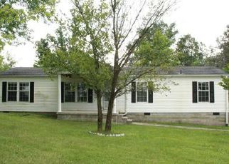 Pre Foreclosure in Owingsville 40360 PEASTICKS RD - Property ID: 1441632297