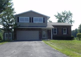 Pre Foreclosure in Sugar Grove 60554 THORNAPPLE TREE RD - Property ID: 1442054960