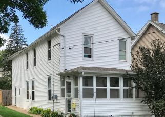 Pre Foreclosure in Dubuque 52001 N BOOTH ST - Property ID: 1442329559