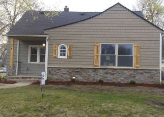 Pre Foreclosure in Waterloo 50703 ARCHER AVE - Property ID: 1442369410